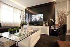 Tons de cinza e vidros fazem a decoração requintada do apartamento de 140 m² - Casa e Decoração - UOL Mulher