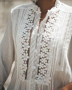2018 Fashion Summer Blusa White Lace Cotton Blouse shirt Elegant Women Tops Plus Size Sexy Hollow Out Shirts Women Clothes Cotton Blouses, Shirt Blouses, Lace Button, Pret A Porter Feminin, Elegant Woman, Cotton Lace, Crochet Lace, Crochet Blouse, Pulls