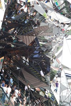 Mindbending mirror architecture in Japan