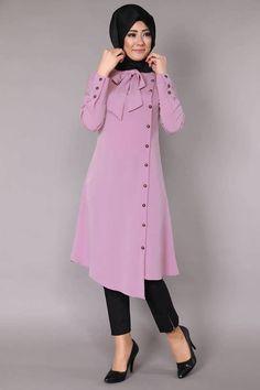 Stunning Button Front Tunic Outfit Ideas for Hijabies – Girls Hijab Style & Hijab Fashion Ideas Islamic Fashion, Muslim Fashion, Modest Fashion, Fashion Dresses, Modest Dresses, Stylish Dresses, Vetement Fashion, Muslim Dress, Winter Mode