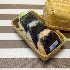 枝豆昆布 鮭 梅 - 41件のもぐもぐ - おにぎり by noriponhiropon