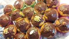 stillmuffins_dekoriert Muffins Topping, Sweets, Cooking, Breakfast, Food, Dried Apricots, Whole Wheat Flour, Coconut Flakes, Treats