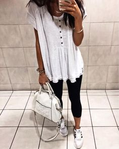 Ahh the classy airport bathroom pic.& yes my handbag strap is so very close to the floor but missed it by of an inch. Casual Outfits, Cute Outfits, Fashion Outfits, Womens Fashion, Dress Fashion, Girly Outfits, Classy Outfits, Beautiful Outfits, Vogue