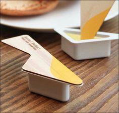 蓋がナイフになっているバターのパッケージ!ナイス!