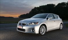 Lexus CT 200h — Flash drive(©Toyota Motor Sales, U.S.A.)