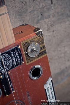 MIku 4 Coronas Tubes model King Seriously #0006   Cigar Box Guitar