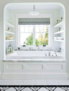 Great storage shelves in bathroom - Home Decor
