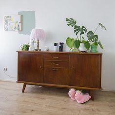 My new dresser! I found this beauty at @marktplaats for a steal! Love finding treasures like these #marktplaatsvondst #vintageinterior #unicorn