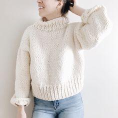 Jumper Knitting Pattern, Jumper Patterns, Sweater Knitting Patterns, Free Chunky Knitting Patterns, Knitting Sweaters, Handgestrickte Pullover, Pullover Sweaters, Chunky Cable Knit Sweater, Tricot Facile