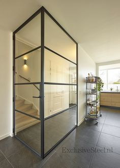 Stalen hal Hall of glass and steel: optimal light! House Doors, House Stairs, Dream Home Design, House Design, Steel Doors And Windows, Modern Staircase, Living Room Interior, Home And Living, Interior Inspiration
