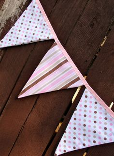 Bunting / flags / pennant strings - Neapolitan via Etsy Baby Bunting, Bunting Garland, Bunting Banner, Twin First Birthday, 1st Birthday Parties, Fabric Flag Banners, Pamper Party, Prayer Flags, Creative Decor