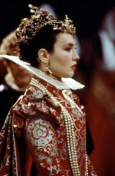 isabelle adjani in La reine Margot