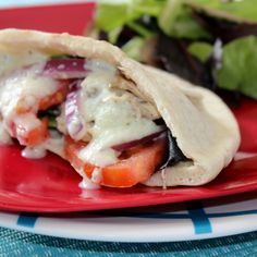 Crock Pot Chicken Gyros With Tzatziki Sauce For Quick Weeknight Meal Diabetic Recipes, Cooking Recipes, Slow Cooker Steak, Low Fat Cooking, Chicken Gyros, Tzatziki Sauce, Quick Weeknight Meals, Crock Pot, Good Food