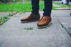 Suede Shoes, Shoe Boots, Red Wing Boots, Fashion Shoes, Mens Fashion, Men Looks, Clarks, Dachshund, Suede Leather