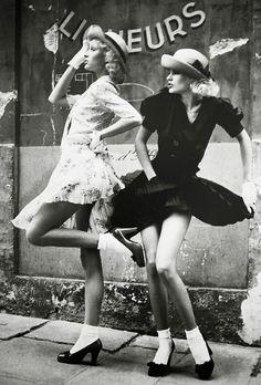 Sacha Van Dorssen Fashion Editorial for Vogue UK, 1972 Glamour Vogue Uk, Foto Fashion, Fashion History, Style Fashion, Vogue Fashion, Fashion Brands, Fashion Tips, Vintage Photography, Fashion Photography