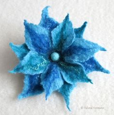 "Filzblume ""Blaue Fantasie"", Felt flower brooch by Helena Hermann"