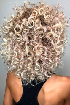 Blonde Curly Shoulder Length Layered Haircuts ❤ Look through our hairstyles for shoulder length layered hair and get inspired to style your own hair. Find your universal hairstyle for any occasion. Layered Haircuts Shoulder Length, Shoulder Length Layered Hair, Layered Bob Hairstyles, Permed Hairstyles, Medium Hairstyle, Weave Hairstyles, Medium Shag Hairstyles, Haircut Medium, Bangs Hairstyle