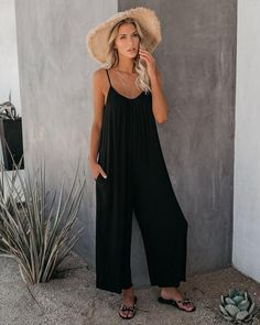 Capri Outfits, Girly Outfits, Casual Summer Outfits, Holiday Outfits, Chic Outfits, Fashion Outfits, Cute Overalls, Tennis Fashion, Wide Leg Pants