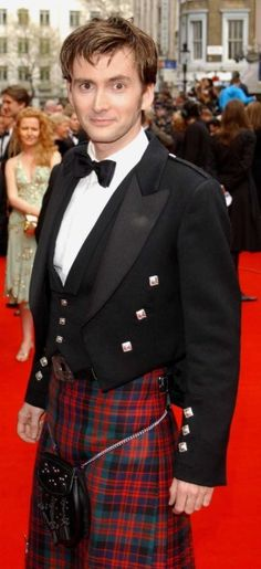 David Tennant in a kilt? yeah.. okay. I can get on board with this.