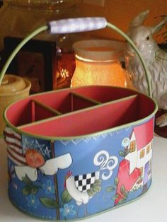 Shara Reiner Pattern Handpainted Recycled Tin Tote Back