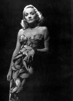 Marlene Dietrich in a publicity photo for Manpower (1941)
