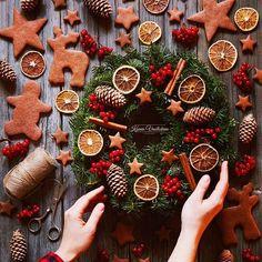 Christmas Fragrance for Karen Gilbert including Christmas Perfume and Christmas smells. Christmas Feeling, Christmas Time Is Here, Noel Christmas, Little Christmas, Winter Christmas, All Things Christmas, Christmas Crafts, Christmas Decorations, Xmas