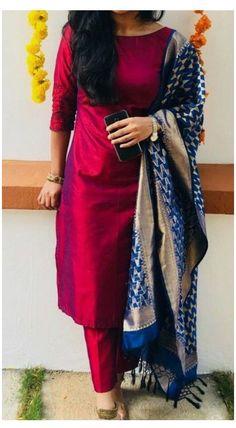 Simple Kurta Designs, Silk Kurti Designs, Churidar Designs, Kurta Designs Women, Kurti Designs Party Wear, Blouse Designs, Indian Fashion Dresses, Dress Indian Style, Indian Designer Outfits