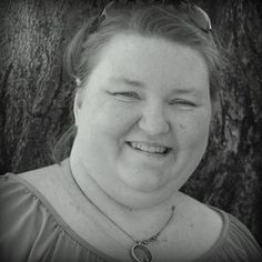 May I Introduce to You . . . Shannon Thomas - Come meet genealogy blogger Shannon Thomas, author of the Our Life Picture By Picture blog, in this interview by Tessa Keough at GeneaBloggers. #genealogy #familyhistory
