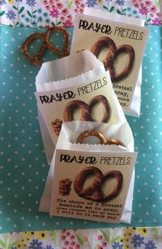 Prayer Pretzels - Prayer lesson for kidmin Primary Lessons, Bible Lessons, Lessons For Kids, Object Lessons, Lds Primary, Young Women Lessons, Prayer Crafts, Bible Crafts, Food Crafts