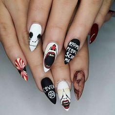 AHS nails by @chellys_nails #alternativexfashion