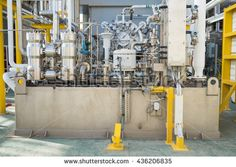 Lube oil system skid of gas compressor and gas engine turbine at offshore oil and gas platform
