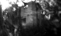 Ruinas -Fotografia estenopeica -Camara de carton f128 -Pelicula 35 mm