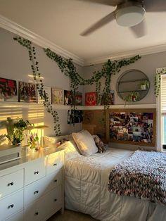 Indie Room Decor, Cute Room Decor, Aesthetic Room Decor, Indie Bedroom, Room Design Bedroom, Room Ideas Bedroom, Bedroom Decor, Bedroom Inspo, Pretty Room