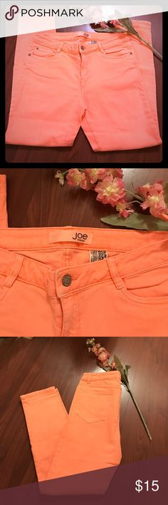 """Joe Fresh 5 Pocket Jeans Spring into Spring with these great looking 5 pocket jeans  from Joe Fresh. Some signs of fading which gives the jeans some added character. Waist 16"""". Rise 9 1/2, inseam. 28"""" Joe Fresh Jeans Straight Leg"""