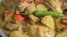 Filipino Style Chicken Curry Filipino Chicken Curry, Curry Chicken Wings Recipe, Chicken Wing Recipes, South African Recipes, Indian Food Recipes, Chicken Recipe Panlasang Pinoy, Cooking With Coconut Milk, Pan Fried Chicken
