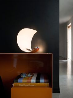 Luceplan Curl, a lamp with adjustable lightcolor. Innovation at its best.