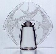 香水瓶 「三羽のツバメ」