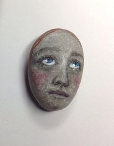 Original painting outsider Kaveman art woman face Joan of Arc stone painted rock (08/01/2015)
