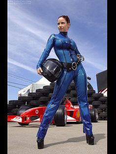 https://flic.kr/p/5WZwpB | Bianca Beauchamp blue rubber latex catsuit