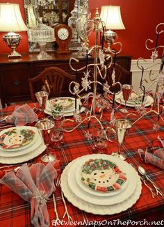 Colorful Tablecloth, white plates and then a decorative small plate to pull your theme together! Christmas Table Settings, Christmas Tablescapes, Christmas Table Decorations, Holiday Tables, Holiday Decor, Christmas China, Christmas Dishes, Merry Christmas To All, Christmas Home