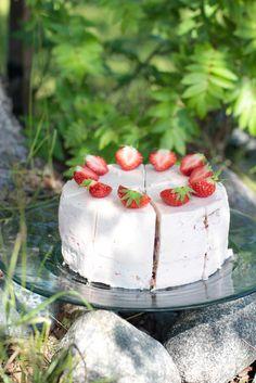 Vegan vanilla cake // Vegaaninen vaniljakakku