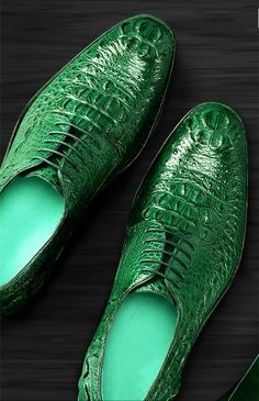 Brown genuine crocodile leather shoes for sale, genuine crocodile leather shoes for men. Sock Shoes, Men's Shoes, Shoe Boots, Mens Casual Leather Shoes, Mens Fashion Wear, Best Shoes For Men, Dream Shoes, Designer Shoes, Streetwear