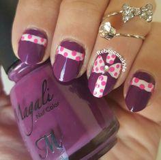 هذه #أظافر اليوم  Recreated Christmas Present Nails by @bloodtintedbeauty  using Magalie #35