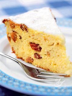 Cheesecake and raisins - Questa torta è un tripudio di delicatezza, sapore e sofficità. Elegante e raffinata, può essere arricchita con salse e creme diverse di accompagnamento.