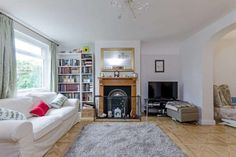 Here is our property of the week!  3 bedroom house for sale in Coppetts Close,  London: