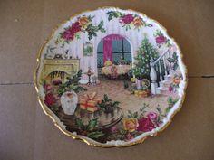 Royal Albert Bone China Collectors Plate Christmas 1988 Christmas Magic