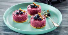 Sjove iskager med blød blåbæris og kiksebund.