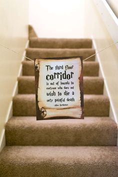 """Harry Potter Birthday Party Idea: block off a room or area that you don't want people to enter with this Hogwarts sign. """"The third floor corridor is out of bounds. Baby Harry Potter, Harry Potter Baby Shower, Natal Do Harry Potter, Harry Potter Enfants, Harry Potter Navidad, Harry Potter Motto Party, Harry Potter Fiesta, Harry Potter Weihnachten, Harry Potter Thema"""