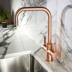 Buy the Abode Pronteau Prostyle 3 in 1 Instant Hot Water Tap - Urban Copper - now available from Tap Warehouse. Discover how an Abode Pronteau hot water tap can make your life easier for less than you might think. Kitchen Taps, Copper Kitchen, Kitchen Mixer, Kitchen Utensils, Boiling Water Tap, Copper Faucet, Bathroom Taps, Modern Bathroom, Master Bathroom