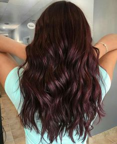 43 burgundy hair color ideas and styles for 2019 # fashiondesign . - 43 burgundy hair color ideas and styles for 2019 # fashiondesign - Dark Red Hair With Brown, Brown Hair Shades, Brown Hair With Highlights, Light Brown Hair, Dark Maroon Hair, Black And Burgundy Hair, Cherry Brown Hair, Violet Brown Hair, Short Curly Hair
